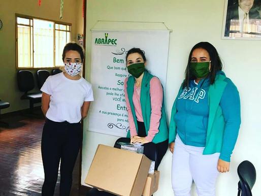 Unidade da ABRAPEC em Atibaia recebeu doação de Máscaras, Creme Dental e Álcool Gel.