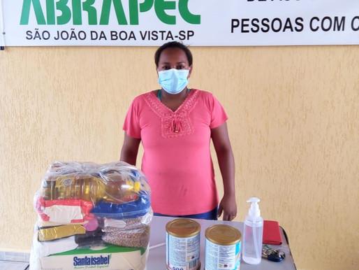SJBV – Pessoas em tratamento do câncer continuam recebendo suplementos e cestas básicas da ABRAPEC.