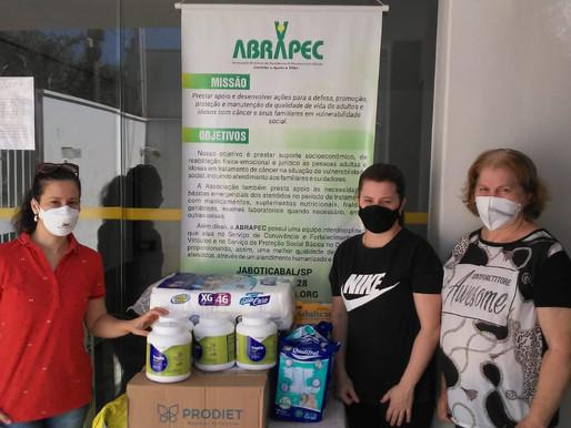 Jaboticabal-Solidariedade! Família se une e realiza doação para os pacientes atendidos pela ABRAPEC