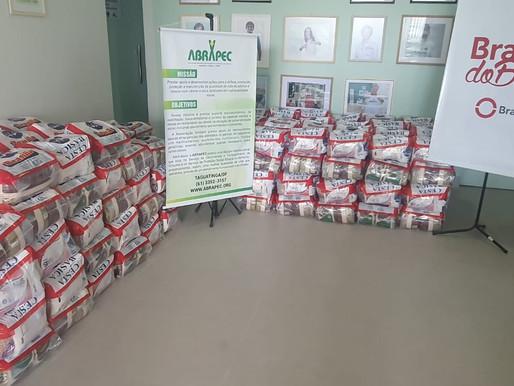 Taguatinga - Brasal Refrigerantes realizou a doação de 300 cestas para a ABRAPEC.