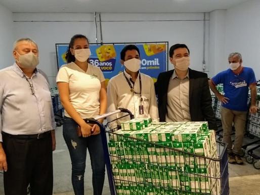 Salto - Super Delta realizou a doação de 150 Litros de leite para ABRAPEC.