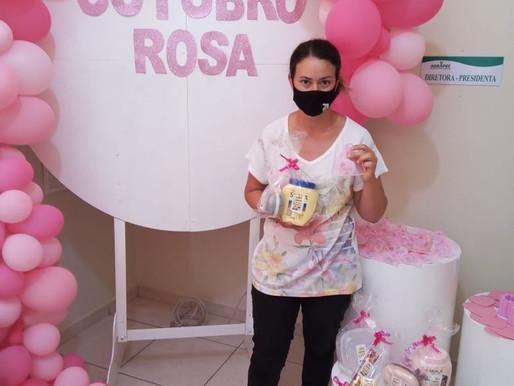 São Joao da Boa Vista – Outubro Rosa , Mulheres atendidas pela ABRAPEC receberam um Kit Beleza.