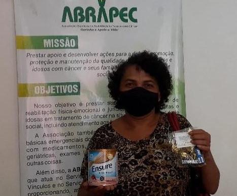 Ribeirão Preto – Pacientes em tratamento do câncer receberam lembrancinhas em comemoração a Páscoa.