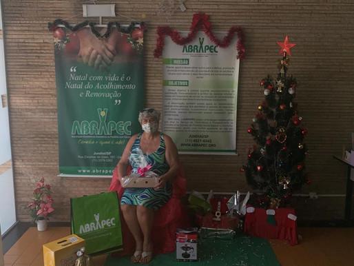 Jundiaí  – ABRAPEC realizou entrega de cestas natalinas a pessoas em tratamento do câncer.