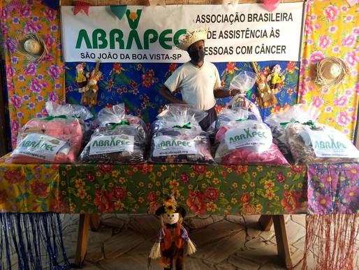 São João da Boa Vista, ABRAPEC realiza a entrega de Kits de Inverno.