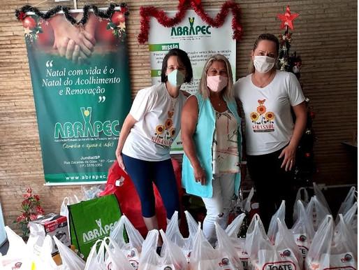 Jundiaí–ABRAPEC recebeu doação de cestas básicas do Projeto Girassol Solidário.
