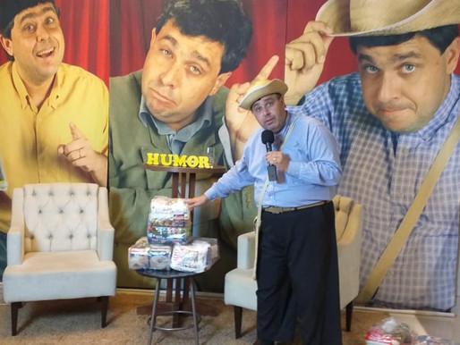 """Chico Lorota realizou a LIVE """"Pizza, humor e solidariedade"""" em prol da ABRAPEC."""