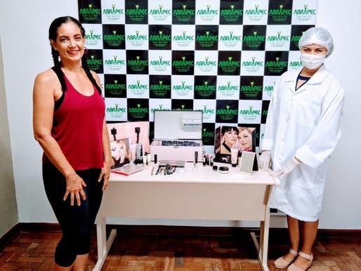Campo Grande – Através de Live mulheres aprenderam a fazer a auto maquiagem