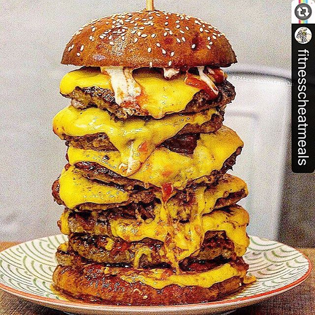 Reposting _fitnesscheatmeals -- 💪🏽Where is this cheatmeal 💪🏽_ 🔥 _theburgerblock 🔥
