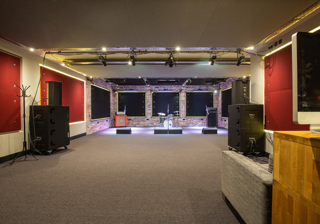 The Hive Rooms - LIVE ROOM