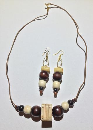 Tolutope Necklace Set $20