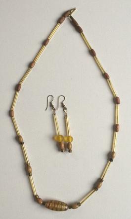 Emeh Necklace Set $25