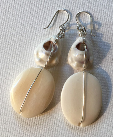 Bontu earrings back