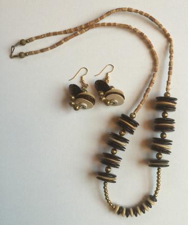 Zizi Necklace Set $35