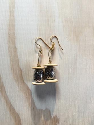 Taji Earrings $5.00