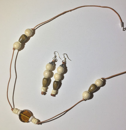 Sola Necklace Set $20