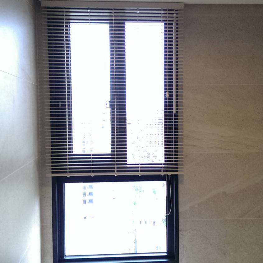 浴廁防水百葉窗