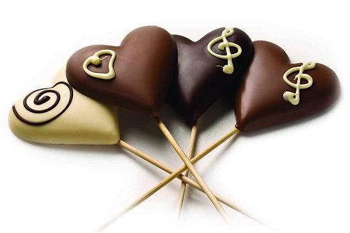 לב משוקולד על מקל