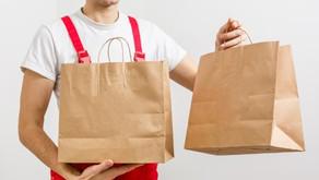 ¿Debo utilizar un servicio de entrega de terceros o crear uno propio?