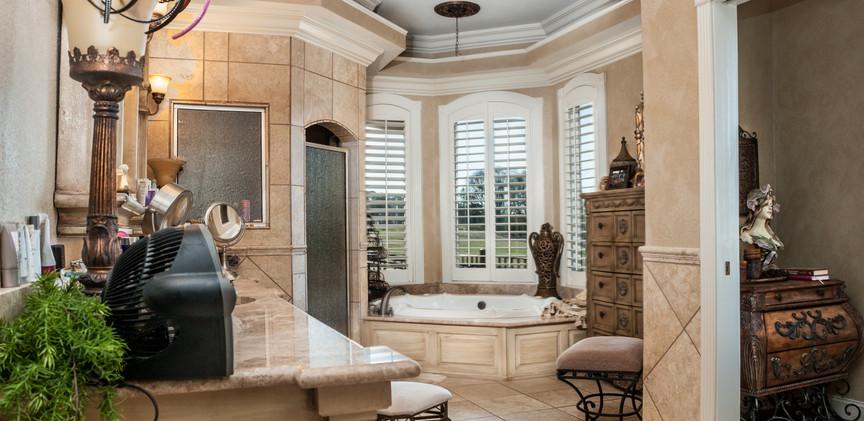 Master Bath-.jpg