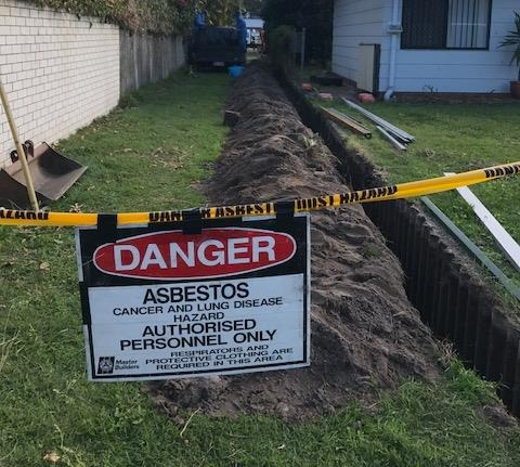 66c452 a2fdf7658c4d443a93ecfb2c20aa79b3~mv2 - Asbestos fence removal What to expect on the day.