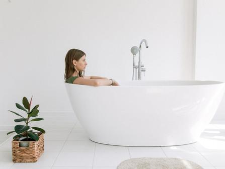 How long should I wait to use a reglazed bathtub?