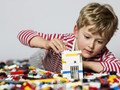 Какие три бренда лидируют в производстве детских конструкторов? Почему вы покупаете Лего и каким кон