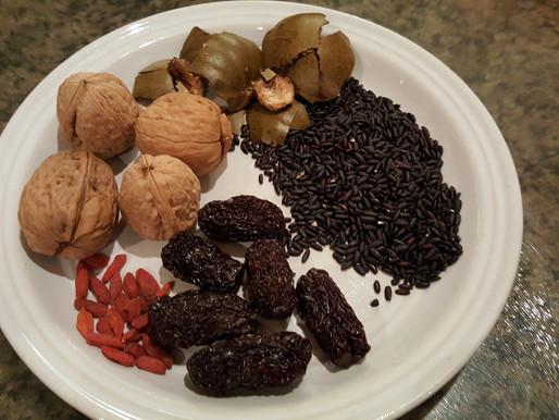 南棗合桃杞子黒米茶 – 治貧血、畏寒肢冷、營養不良、腎虛夜尿
