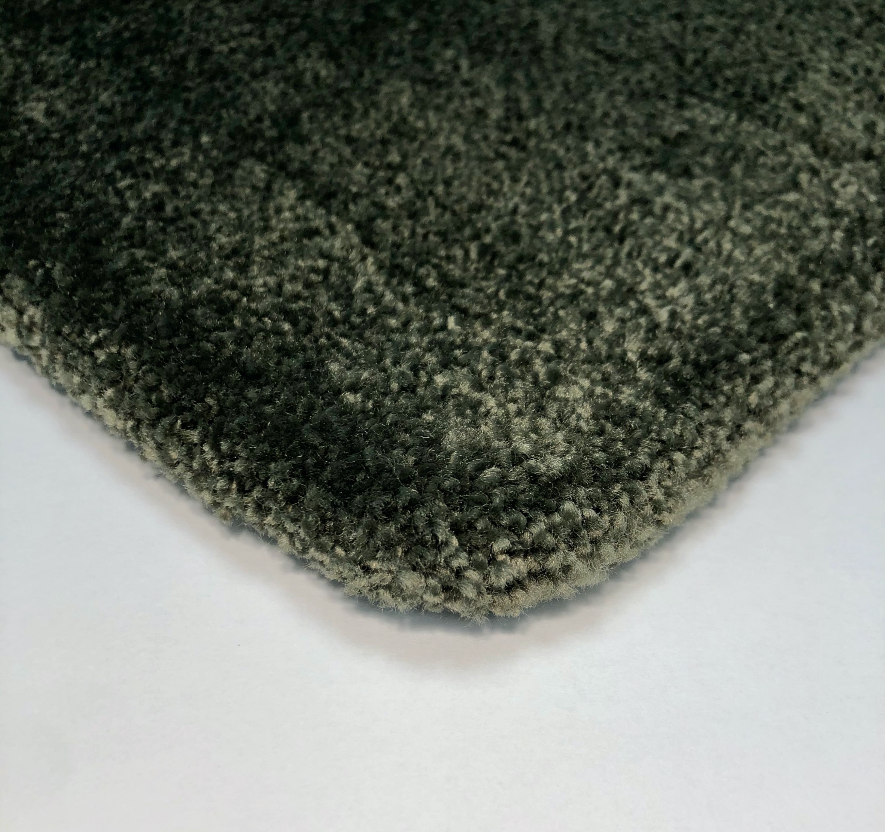 Volume rug 3mm felt backing (frontside), exclusive craftsmanship.