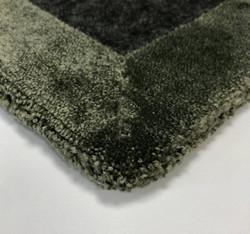 Volume rug 3mm felt backing (backside), exclusive craftsmanship.