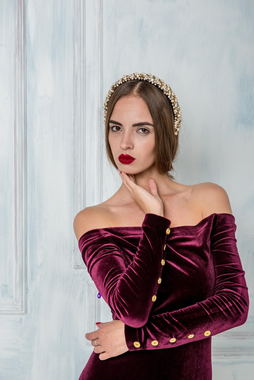 платье бархатное и корона лиля