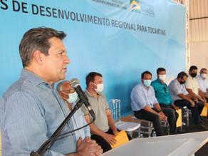 DEPUTADO OSIRES DAMASO ENTREGA CAMINHÕES A MUNICÍPIOS TOCANTINENSES