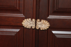 Decorative design knobs