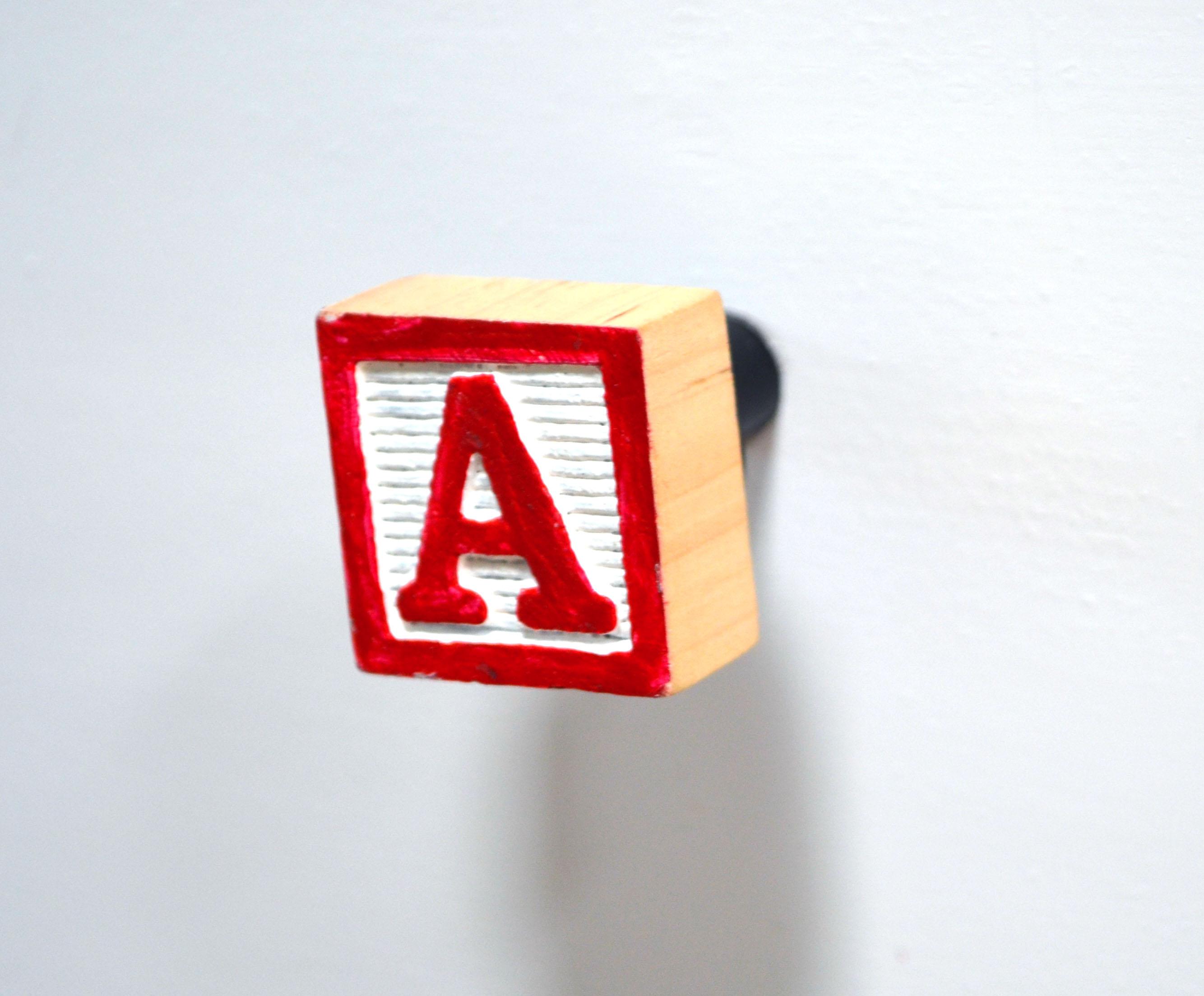 A block knob