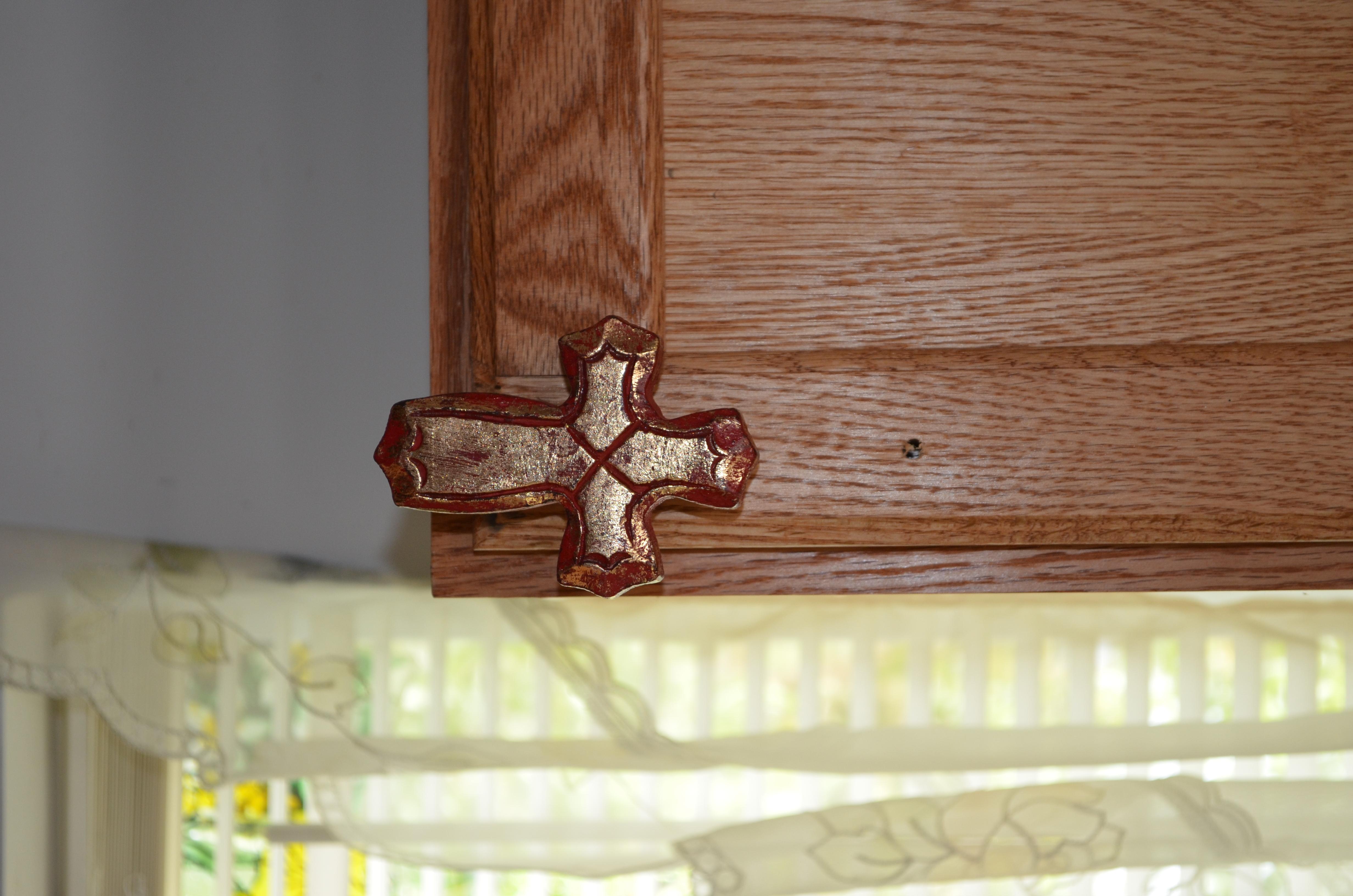 Cross knob