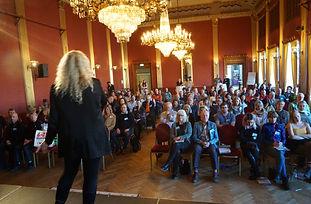 Lili Öst - Changemaker på Skandinaviska Ledarhögskolan www.liliost.se