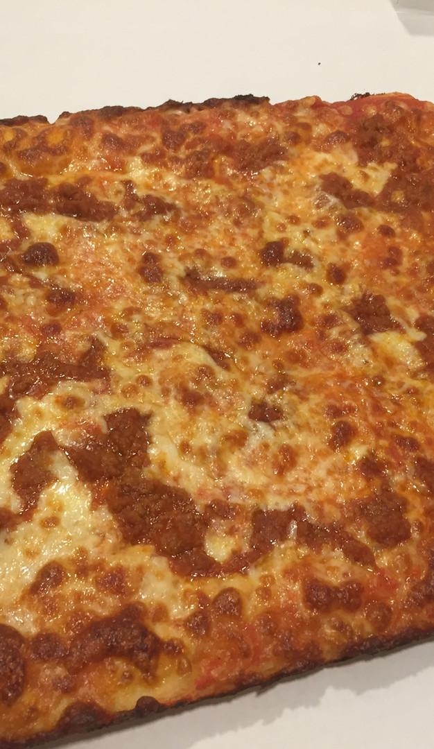Pizza grande Bolognese 1.JPG