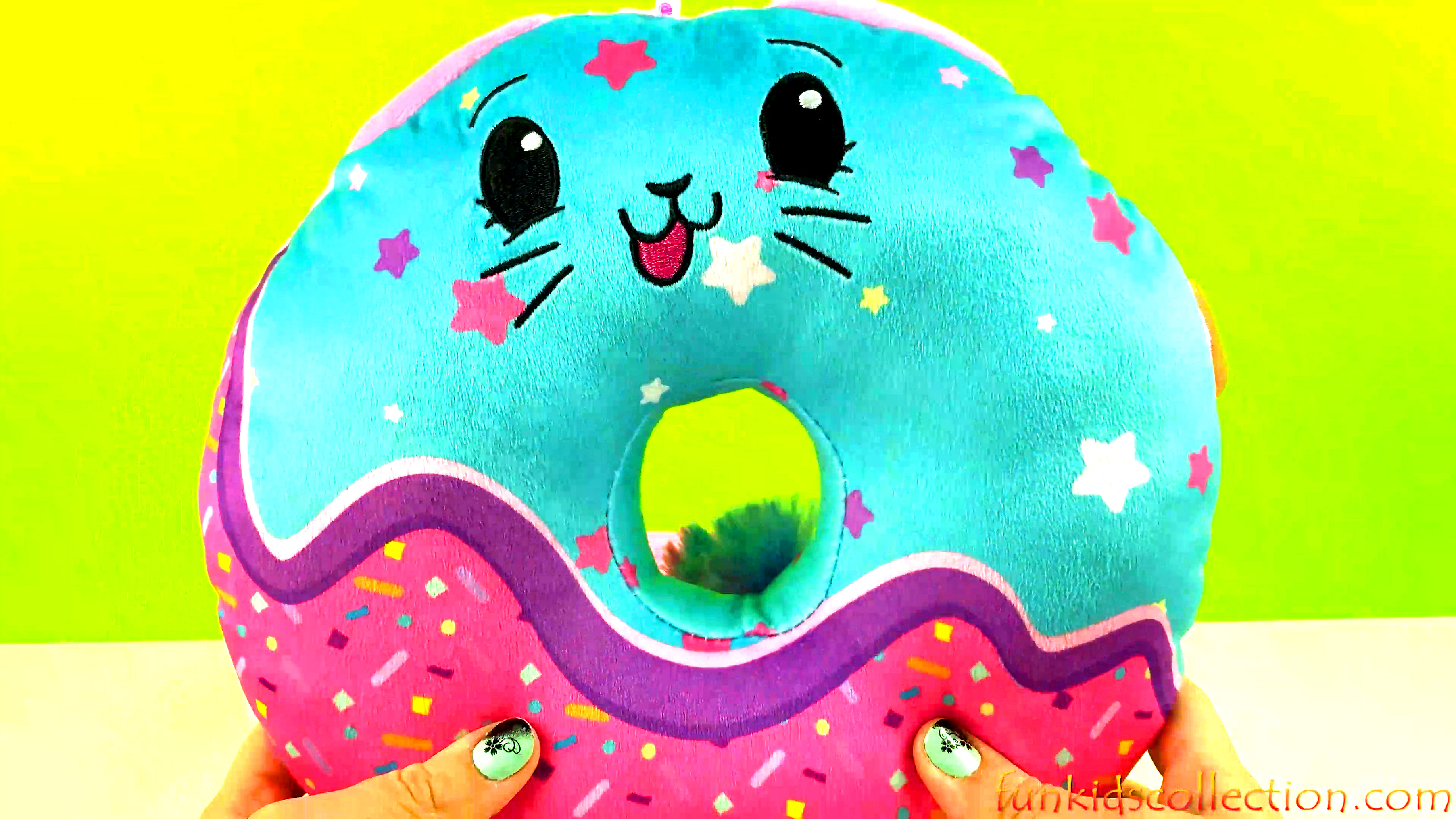Pikmi Pops Sweetie Paw The Sparkly Cat Unboxing Pikmi Pops Surprise Doughmis Jumbo Donut Plush