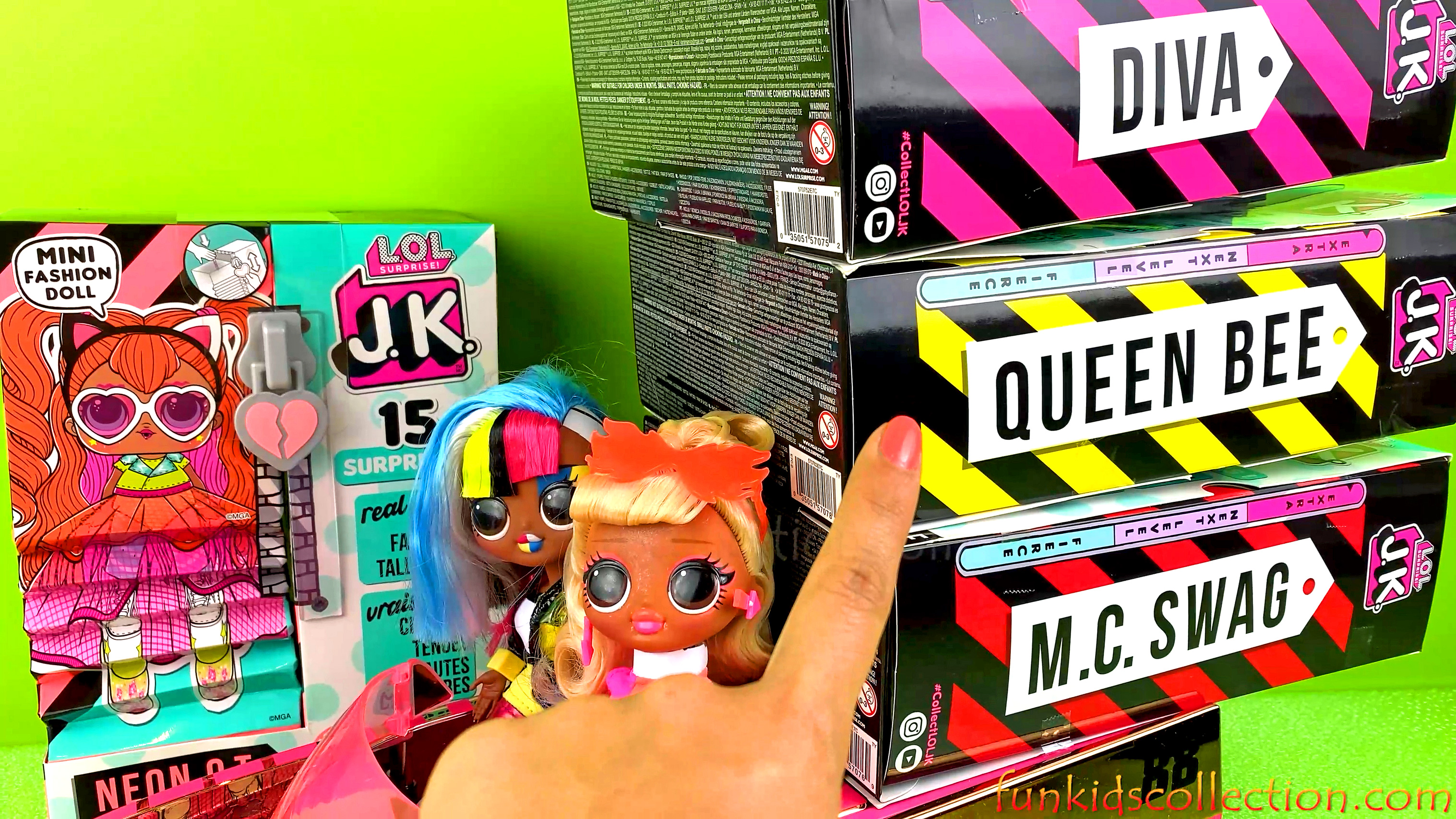 LOL Surprise JK Dolls Series 1 | Unboxing 4 Lol Surprise JK Dolls Neon QT Queen Bee Diva MC Swag