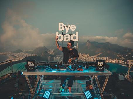 Despedida de 2020, Vintage Culture e Bye Bad se uniram para  apresentação no Bondinho Pão de Açúcar