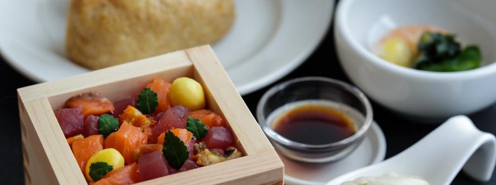 飯台(はんだい)の使い方と酢飯の基本