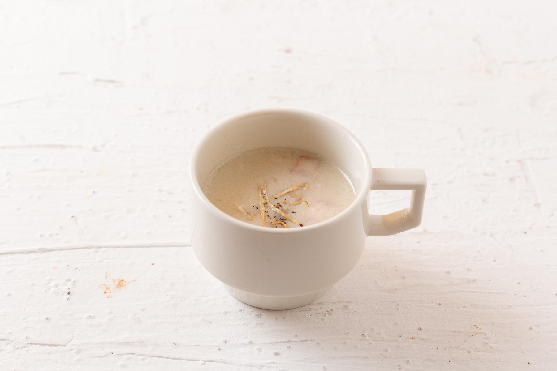 ごぼうとベーコンの豆乳スープ