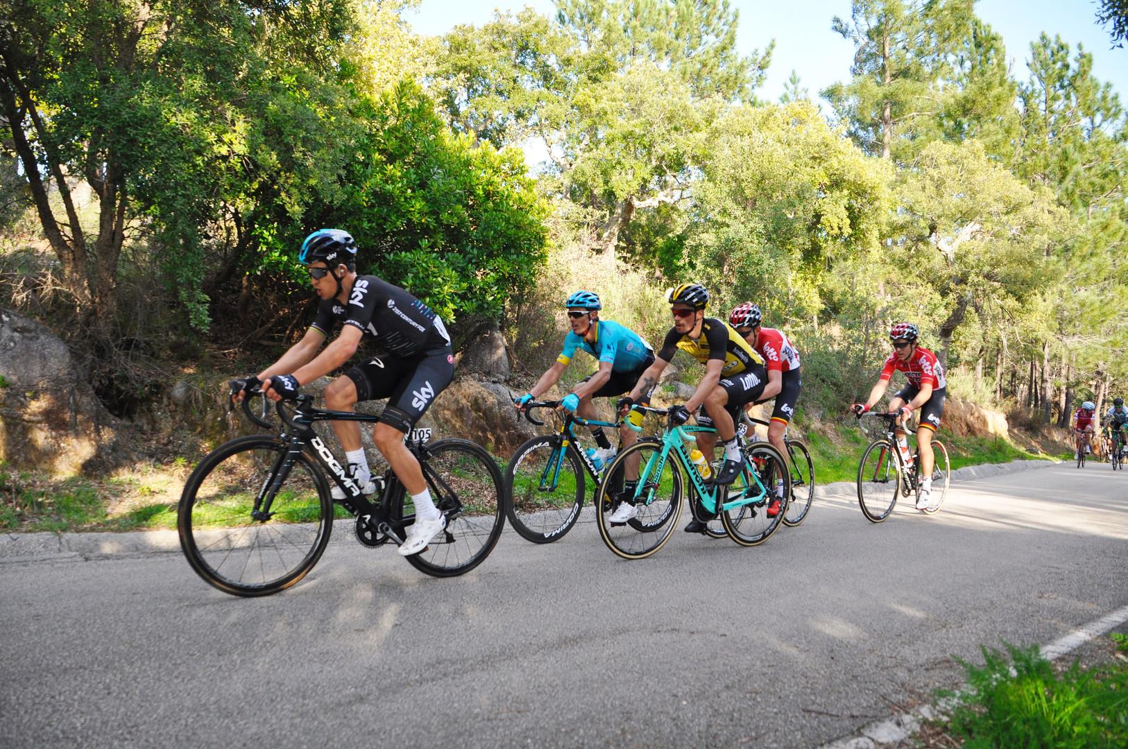 Cyclistes en Algarve bike tours algarve