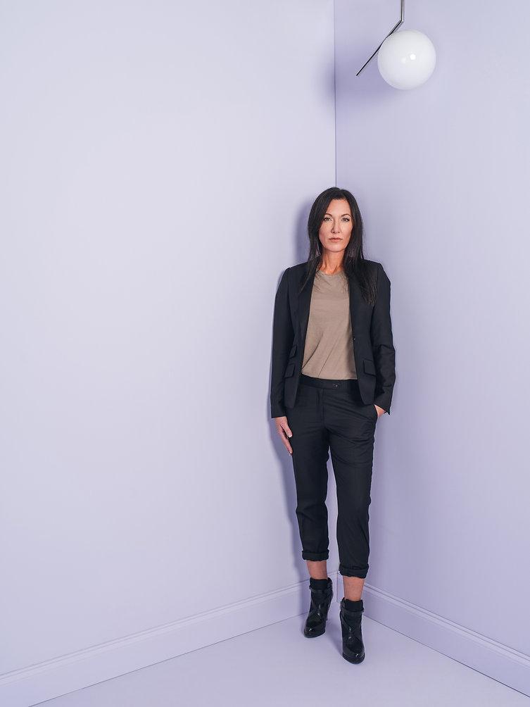 women's black suit street style boots.jp