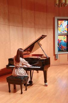 2019年11月 昭和音楽大学ラ・サーラ・スカラホールにて門下弾きあい会