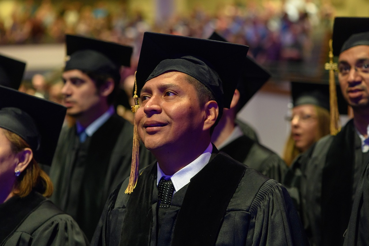 graduation-3615819_1280