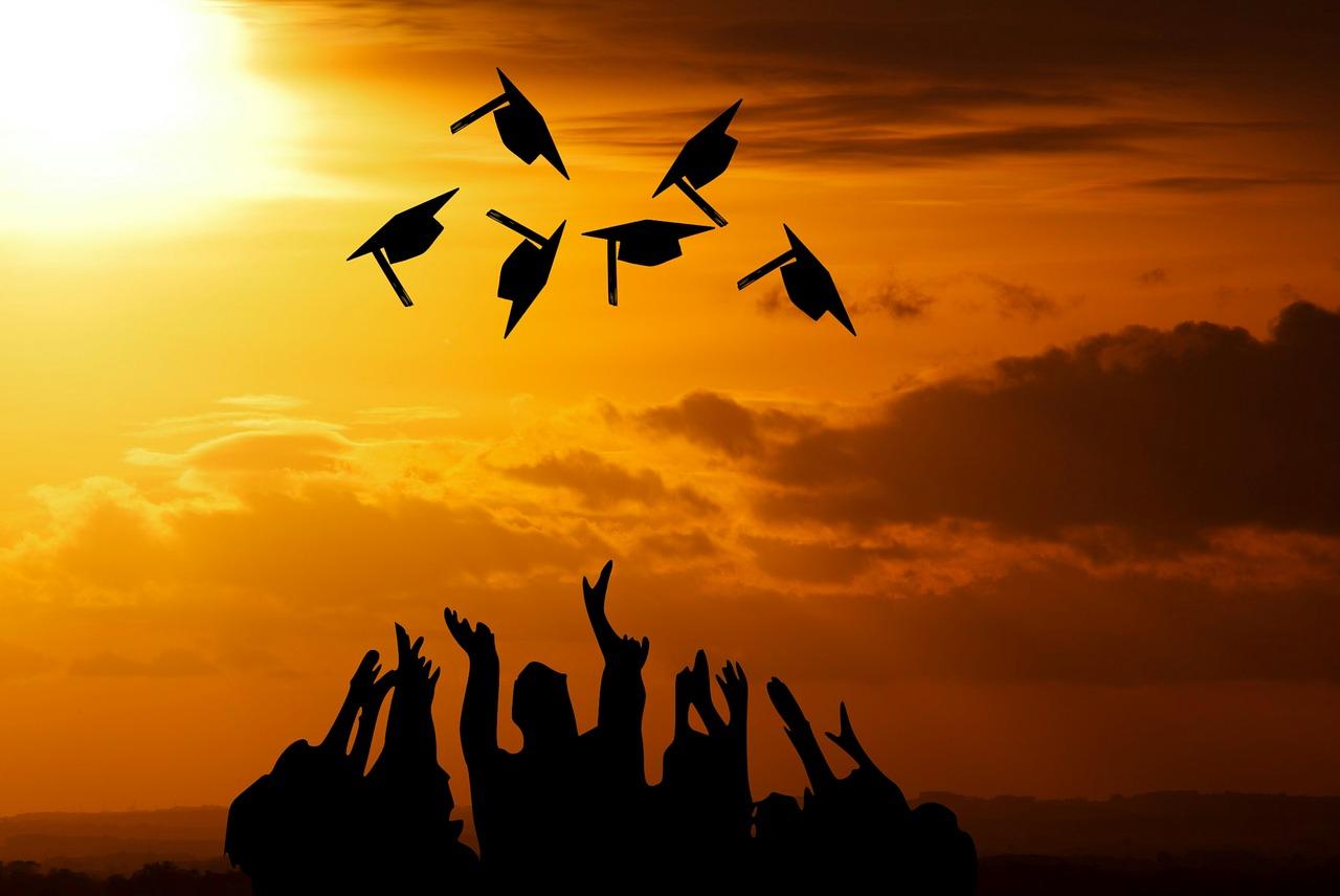 graduation-3649717_1280