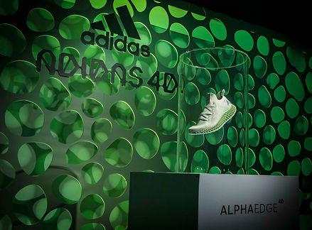 2.adidas ALPHAEDGE 4D以傳統製程無法鍛造出的網格結構打造出均