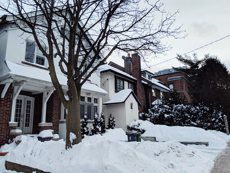 Single-family houses on south side of Heath Street