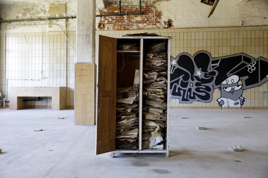 09_IPIHAN_WORK_Ties-Ten-Bosch_Archive-Af